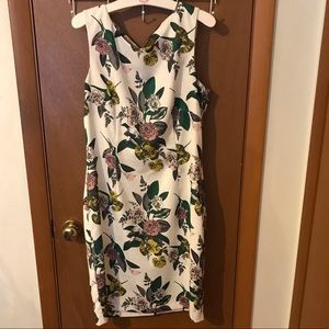 Like New H&M Modern Classic Floral Open Back Dress